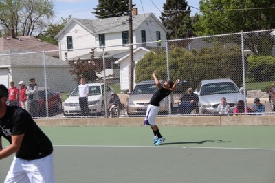 Men's tennis loses to Elgin