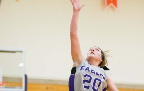 Pavlovich battles injury, returns to lead Eagles