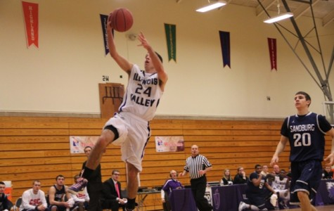 Eagles rally to beat Chargers 73-63