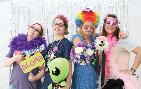 Lindsey Bennett, Maddi Loiselle, Hannah Smith and Sarah Tipton all pose for the camera at the IV Leader photo booth at Spirit Day 2016. Be sure to check out Spirit Day 2017.