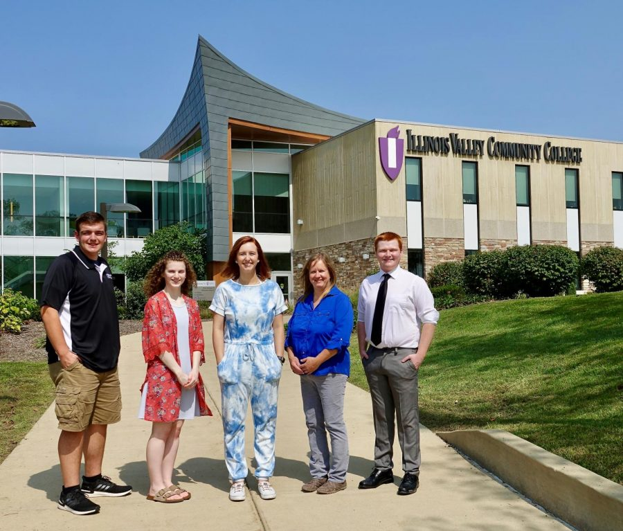 IVCC 21st Century Scholars Society Finalists include (from left to right) Ryan Lane of Peru, Skylar Arwood of Utica, 21st Century Scholar Grace McCormick of Peru, Paula Taylor of Granville, and Reid Tomasson of Oglesby.